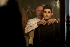 "GOTHAM: L-R: Sean Pertwee and David Mazouz in ""A Dark Knight: They Who Hide Behind Masks"" episode of GOTHAM airing Thursday, Oct. 5 (8:00-9:01 PM ET/PT) on FOX. ©2017 Fox Broadcasting Co. Cr: Jeff Neumann/FOX."