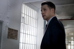"GOTHAM: Ben McKenzie in the ""A Dark Knight: The Blade's Path"" episode of GOTHAM airing Thursday, Oct. 19 (8:00-9:01 PM ET/PT) on FOX. CR: Jeff Neumann"