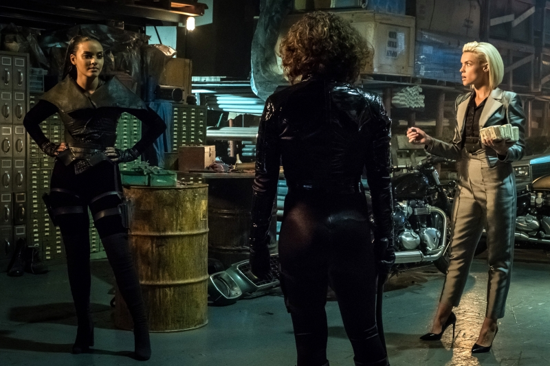 """GOTHAM: L-R: Jessica Lucas and Erin Richards in the """"A Dark Knight: A Day in the Narrows"""" episode of GOTHAM airing Thursday, Nov. 2 (8:00-9:01 PM ET/PT) on FOX. ©2017 Fox Broadcasting Co. Cr: Jeff Neumann/FOX"""
