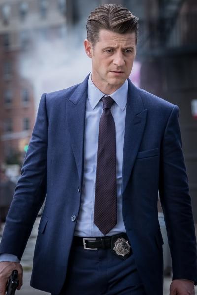 "GOTHAM: Ben McKenzie in the ""A Dark Knight: A Day in the Narrows"" episode of GOTHAM airing Thursday, Nov. 2 (8:00-9:01 PM ET/PT) on FOX. ©2017 Fox Broadcasting Co. Cr: Jeff Neumann/FOX"