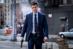 "GOTHAM: Ben McKenzie in the ""A Dark Knight: A Day in the Narrows"" episode of GOTHAM airing Thursday, Nov. 2 (8:00-9:01 PM ET/PT) on FOX. ©2017 Fox Broadcasting Co. Cr: Jeff Neumann/FOX"