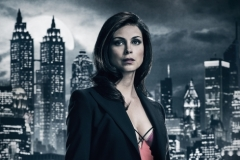GOTHAM: Morena Baccarin is Leslie Thompkins. Season 4 of GOTHAM premieres Thursday, Sept. 21 (8:00-9:01 PM ET/PT) on FOX. ©2017 Fox Broadcasting Co. Cr: TOMMY GARCIA / FOX