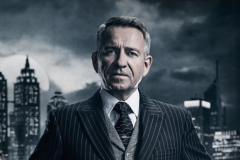 GOTHAM: Sean Pertwee. Season 4 of GOTHAM premieres Thursday, Sept. 21 (8:00-9:01 PM ET/PT) on FOX. ©2017 Fox Broadcasting Co. Cr: TOMMY GARCIA / FOX
